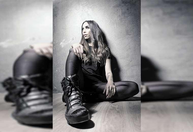 Dj Iva es una de las creadoras de la 'Electropreste'. Radica en Barcelona y realiza giras por Europa