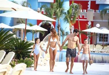 Aprovecha de los descuentos para visitar cualquiera de los hoteles de la cadena en República Dominicana, México o Jamaica. Los descuentosm se quedan hasta octubre