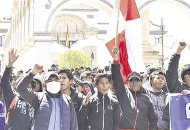 Potosí vive su quinta jornada de paro cívico indefinido. Gobierno y Comcipo irán al diálogo este lunes