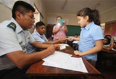 Con el bono se busca que disminuyan los casos de deserción escolar