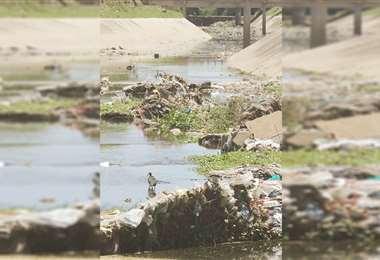 El canal Isuto, entre cuarto y quinto anillo, nuevamente presenta problemas