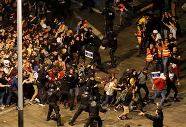 Las manifestaciones se producen en contra de las sentencias de cárcel a los líderes que promovieron la independencia de Cataluña. Foto: AFP