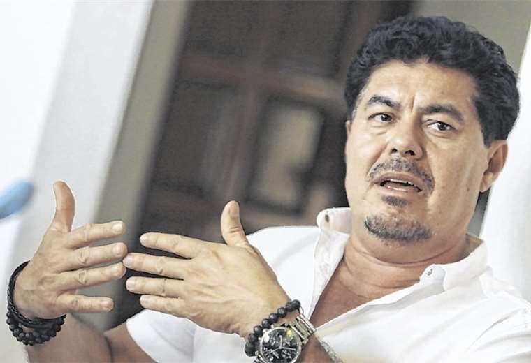 Trayectoria. Es un ejecutivo boliviano con tres décadas de experiencia en el show business. Es manager de bandas de rock