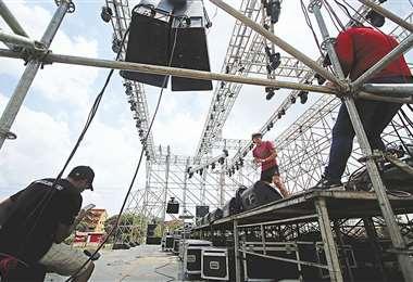 El MAS alista la tarima para su cierre de campaña en el Cambódromo