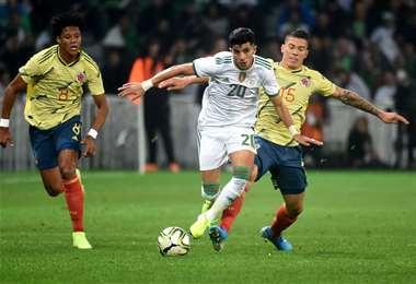 Los argelinos fueron ampliamente superiores ante la escuadra colombiana este martes en Lille. Foto. AFP
