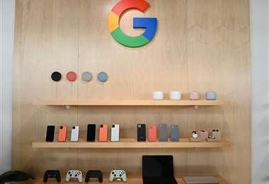 El nuevo teléfono Google Pixel 4 está en exhibición durante un evento de lanzamiento de un producto de Google llamado Hecho por Google. Foto AFP