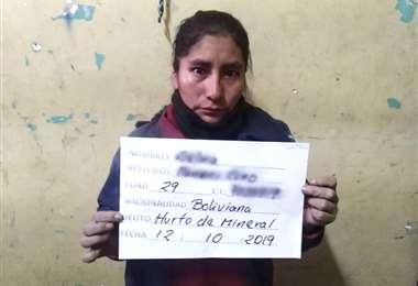 Mujer acusada de robo de mineral
