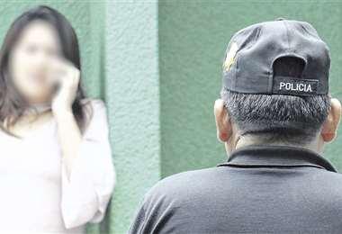 Uno de los sindicados atacó a su pareja en la casa donde viven. El otro la golpeó delante de sus hijos. Foto: Rolando Villegas
