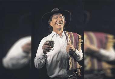 Carlos Langa conquista a su audiencia todos los fines de semana por el dial de EL DEBER. Foto: Marco Velasco