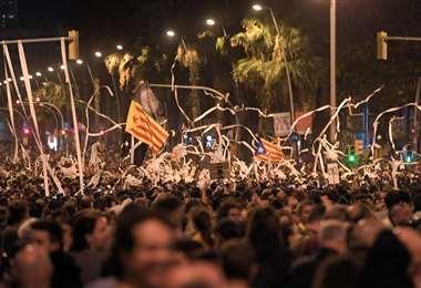 En total 51 personas fueron arrestadas en Cataluña durante las manifestaciones del martes. Foto: AFP