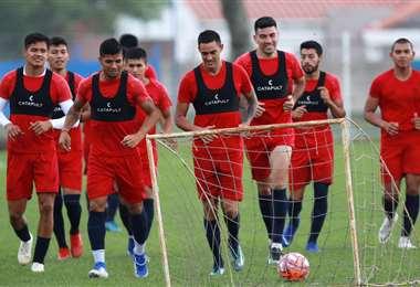 Los jugadores de la academia trabajaron estos días al mando de Erwin Sánchez en la sede del club. Foto. Jorge Gutiérrez