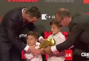 Mateo Messi le quitó el balón a su hermano