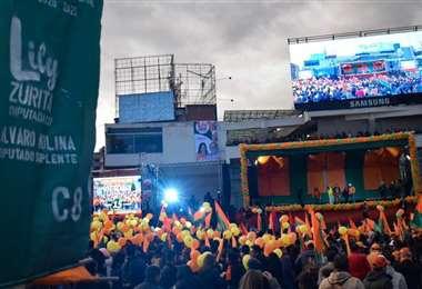 Los seguidores de Comunidad Ciudadana se concentraron en la Plaza Mayor de San Francisco en La Paz. Foto: Comunidad Ciudadana