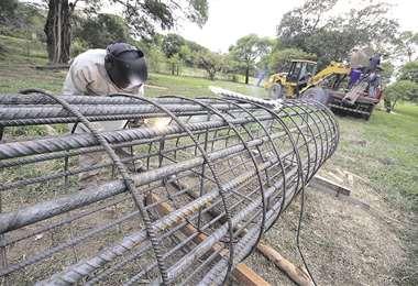 La obra, próxima al actual puente, se ejecuta con inversión de la Gobernación cruceña