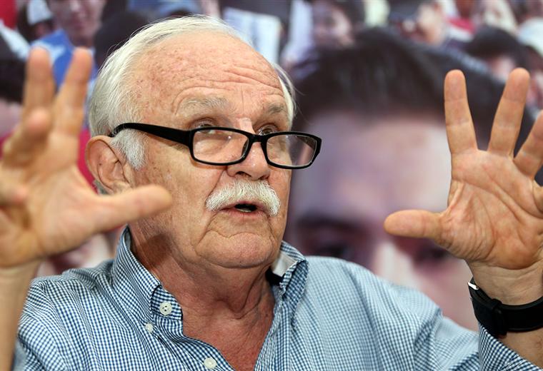 Marco Peredo sostiene que si César Salinas, presidente de la FBF, tiene la lista de los deudores debería empezar a cobrar y así terminar con denuncias sin fundamentos. Foto: Fuad Landívar