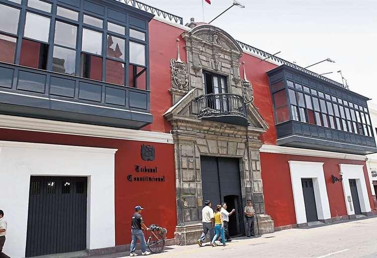 El Tribunal Constitucional de Perú decide este jueves si admite o no una demanda contra el cierre del Congreso. Foto Nuestro País