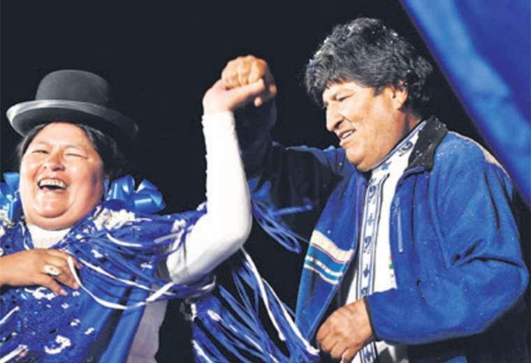 Evo Morales celebró ´con un baile la concentración de El Alto y La Paz. Para él, fue la más grande de todas. Foto: AFP