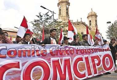 Los potosinos marcharon ayer, a pesar del Auto de Buen Gobierno