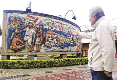 Celebración de Montero. Ubicado en la plaza 2 de Diciembre de la ciudad del Norte Integrado, este trabajo es una especie de antología de la obra muralísitca de Lorgio Vaca. FOTOS: EL DEBER Y CCP