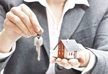 Padres podrán garantizar créditos de viviendas para jóvenes. Foto Archivo