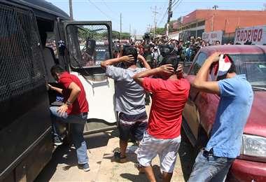 La Policía detuvo a 106 militantes de Bolivia Dijo NO en la Villa Primero de Mayo