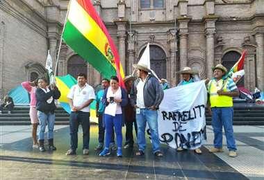 Los marchistas se quedaron en la plaza