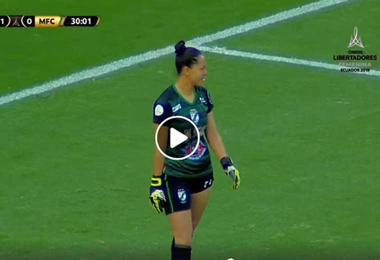 Daniela Salguero, arquera de Mundo Futuro y de la selección boliviana. Foto: Captura Copa Libertadores