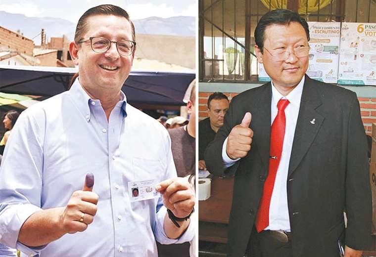 """Chi Hyun Chung celebró temprano los resultados en boca de urna que le daban una firme tercera posición. Óscar Ortiz llamó a una apresurada conferencia en la que reconoció que """"los bolivianos eligieron a Mesa"""" para enfrentar a Morales. Foto: APG"""