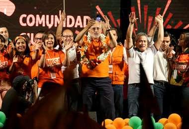 Carlos Mesa y Gustavo Pedraza se hacen con la primera plaza al 83% de las actas verificadas