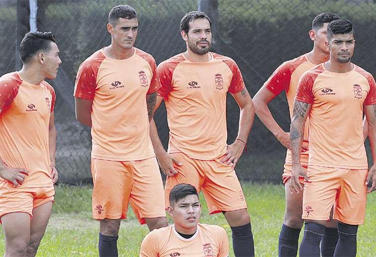 Los jugadores de Blooming ya tienen claro el objetivo para lo que resta de esta temporada. Apuntan a una plaza a la Copa Libertadores. fOTO: FUAD LANDÍVAR