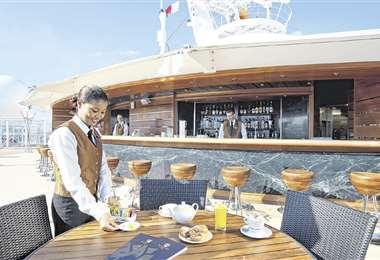 La atención a bordo del nuevo crucero de MSC destaca por sus años de experiencia y por ser de las marcas de cruceros de lujo preferidas a nivel mundial