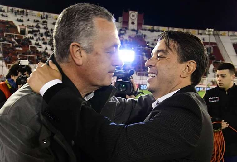 Alfaro y Gallardo, con dos estilos diferentes. Foto: Olé