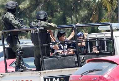 La Policía arrestó a los que no acataron el Auto de Buen Gobierno. Foto: HERNÁN VIRGO