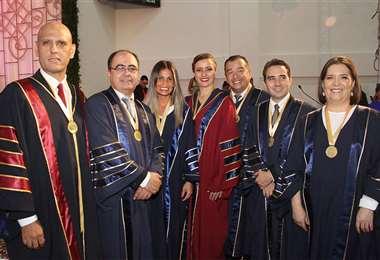 La testera. José Landriel, Wilmer Campos, Cecilia Áñez, Paola Pericón, Róger Choque, Juan Pablo Saldaña y Roxana Uriona