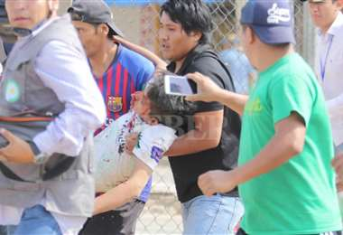 Un joven es agredido en el Plan Tres Mil   Foto: Rolando Villegas