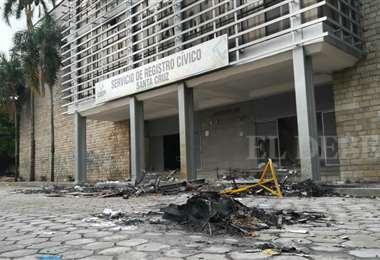 El Sereci sufrió daños serios tras la quema. (Foto: Maria Trigo)