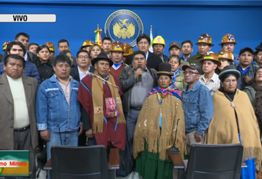 Los dirigentes se reunieron con Evo en El Alto I Foto: captura.