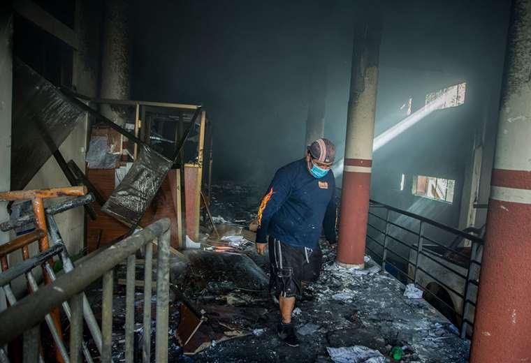 El TED Chuquisaca en Sucre fue quemado el lunes. Foto: APG