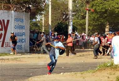 Simpatizantes del MAS se enfrentaron con vecinos de Montero