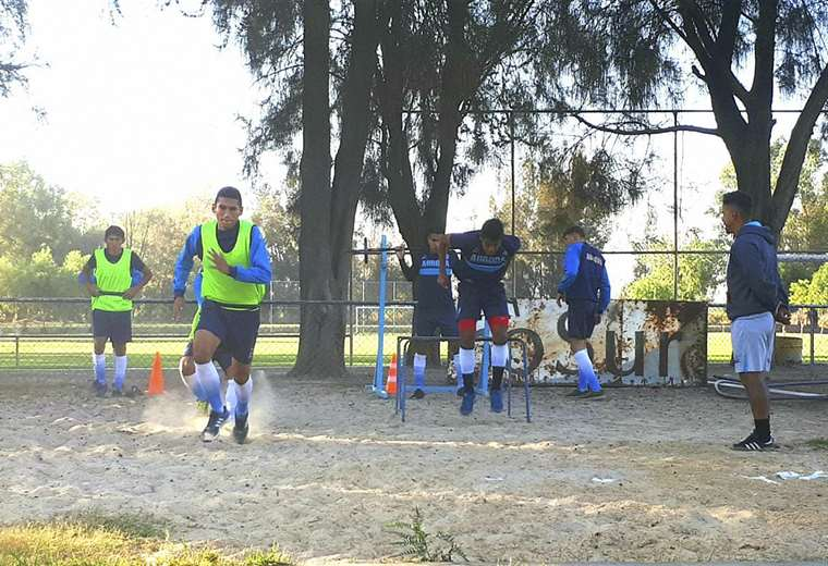 El celeste cochabambino sigue con su trabajo pese a los paros. Foto: Más Que Fútbol