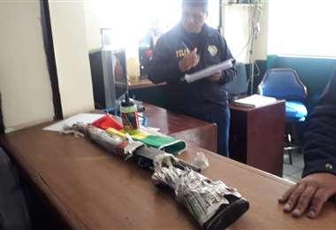 El arma estaba envuelta en una tricolor I Foto: ATB.