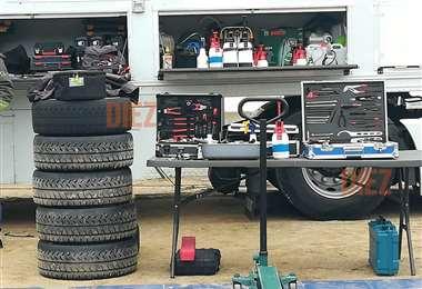Marquito puede llegar a utilizar 32 neumáticos en esta competencia. Foto: Rainer Durán