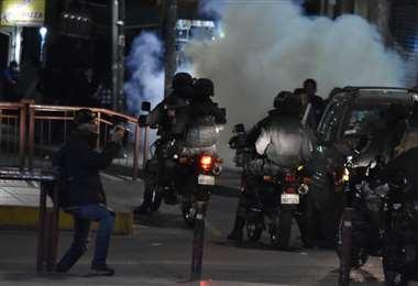 Anoche La Paz volvió a vivir hechos de violencia I Foto: APG Noticias.