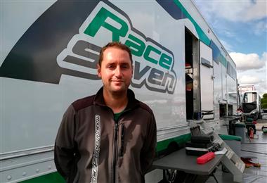 Víctor Pérez dueño y coordinador del equipo Race Seven. Foto: Rainer Durán