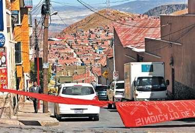 El paro cívico se cumplió ayer en la capital potosina. En algunas calles fueron colocadas cintas para evitar la circulación de motorizados