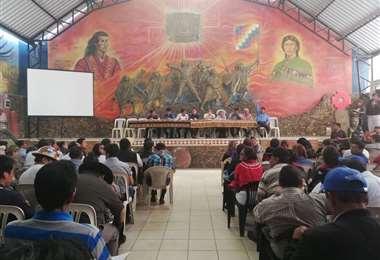 La asamblea de emergencia de la Codelcam se realizó en Chapare. Foto: Radio Kawsachun Coca