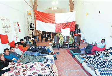 En Potosí existe un piquete de huelga conformado por 13 personas; exigen respeto a la votación popular