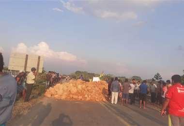 Imágenes del inicio del bloqueo en la ruta a Cochabamba