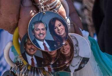 El binomio de los Fernández, favorito en las elecciones de este domingo