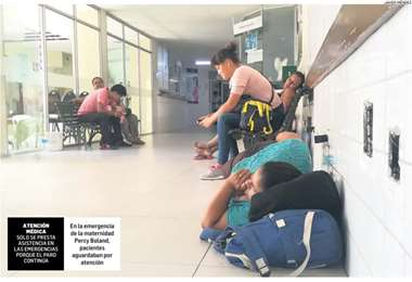 En la emergencia de la maternidad Percy Boland, pacientes aguardaban por atención. Foto: Jorge Uechi